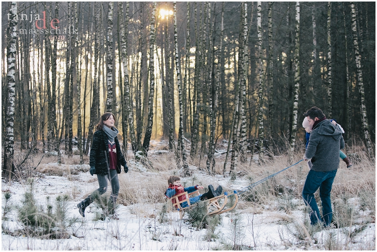Family shoot in winter - lifestyle fotograaf Tanja de Maesschalk (1)